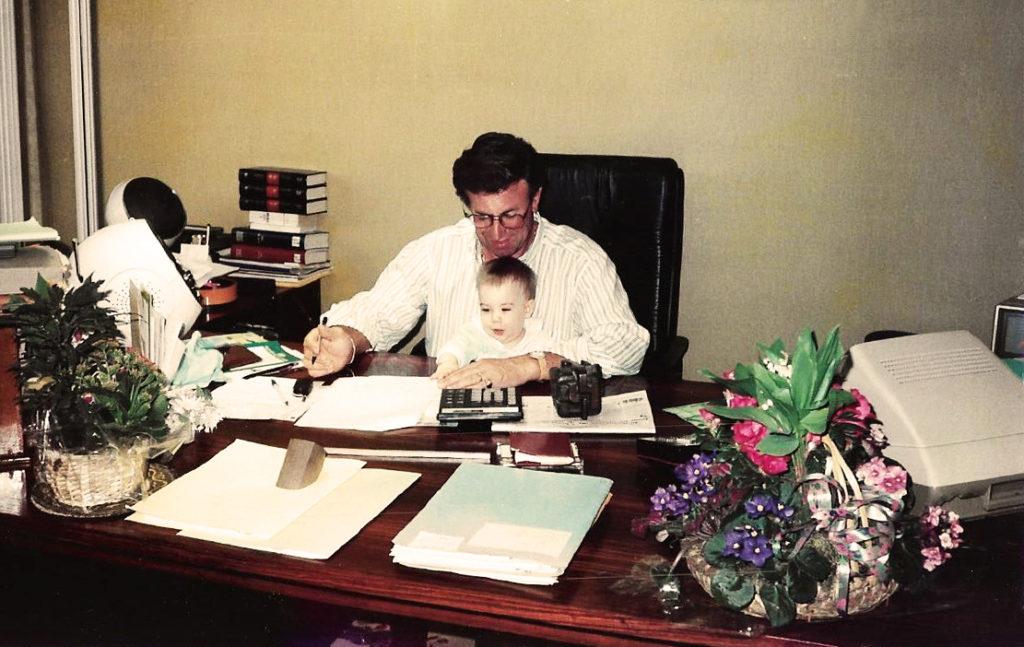 Pompes Funèbres Santilly - Daniel Santilly avec son petit-fils Baptiste Santilly